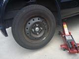 嫁の車パンク修理修理 (3)