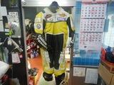 ジニアスレーシングスーツ修理