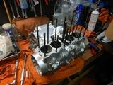 京都K様CB400レストア組み立て腰下201221 (2)