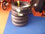レーサー用タイヤ入荷