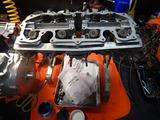 闇から抜け出したエンジンヘッド内燃機加工完了 (5)