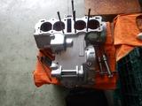 GTH号エンジンクランクケース下拵えリタップ掃除 (1)