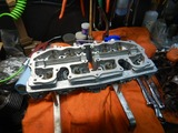 部品整備シリンダーヘッド組み立て201005 (1)