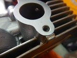 闇を抱えたエンジン用予備ヘッド (7)