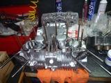 9号機エンジン組立て (1)