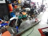 まっきーRエンジン腰上組立 (7)