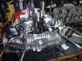 1号機エンジン組立て111006秋