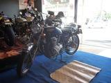 某青い方のバイク磨き (1)