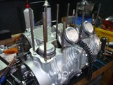 4号機エンジン腰中組立て (1)