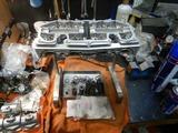京都K様内燃機加工完了シリンダーヘッド組立 (1)
