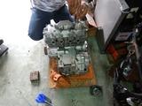 部品取り408エンジン分解 (1)