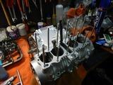 CB400国内398ccCP25号機腰下組み立て (4)