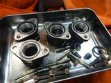 闇を抱えたエンジン旧ヘッド部品もぎ取り (2)