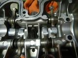 GTH号シリンダーヘッドカバー洗浄 (2)