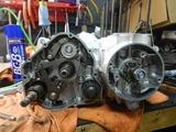 高知U号エンジン腰下組み立て200919 (3)