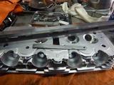 闇を抱えたエンジン代替シリンダーヘッド下拵え (8)