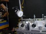 レーサーエンジン腰上組立て (8)