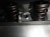 闇から抜け出したエンジンヘッド内燃機加工完了 (1)
