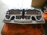 シリンダーヘッド手入れ塗装剥離 (1)