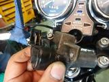 高知O号イグニッションキースイッチカバー交換 (1)