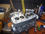 さいとうRエンジン組立腰上 (2)
