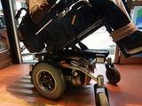 ご近所のカスタム電動車椅子 (4)