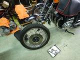 Z750RSフロントタイヤパンク修理チューブ交換 (2)