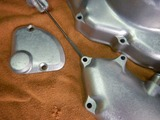 高知U号エンジンカバー類ブラスト塗装下地処理 (2)