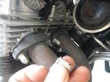 CB400F黄色い号EXスタッドボルトナット取り付け (1)