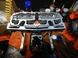 闇を抱えたエンジンヘッド内燃機加工完了 (2)