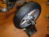 まっきーレーサー号タイヤ交換 (2)