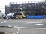 7月2日CP前空き地建設工事フロアー床コンクリート流し込み (1)