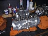 1号機用エンジン作業台へ (1)
