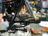 CB400国内398cc25号機用純正再メッキチェーンカバー取り付け (2)