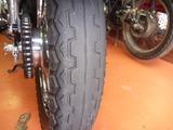 青い稲妻号タイヤ交換