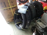 CB400国内398ccCP25号機用タイヤ入荷取り付け (1)