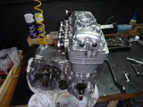 1号機エンジン組立て110810 (6)