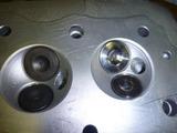 1号機用シリンダーヘッドの準備 (1)