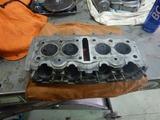 闇を抱えたエンジン代替シリンダーヘッド下拵え (1)