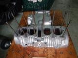 GTH号エンジンクランクケース下拵えリタップ掃除 (3)