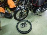 Z750RSフロントタイヤパンク修理チューブ交換 (4)