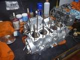 京都H号エンジン組立て (2)