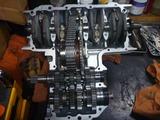 イエロー号エンジン腰下組立て (2)