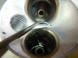 闇を抱えたエンジン代替シリンダーヘッド下拵え (7)