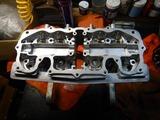 闇を抱えたエンジンヘッド内燃機加工完了 (1)