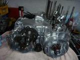3号機エンジン組立て (2)