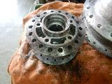 CB250HAWK用フロントハブ塗装剥離 (2)