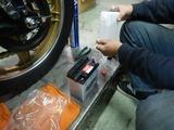 名古屋I様CB400バッテリー交換充電 (1)