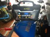 大阪シンプル号継続車検整備バッテリー充電211018 (1)
