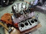 部品取り408エンジン分解 (3)